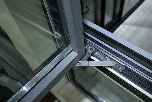 怎么辨别铝型材门窗质量